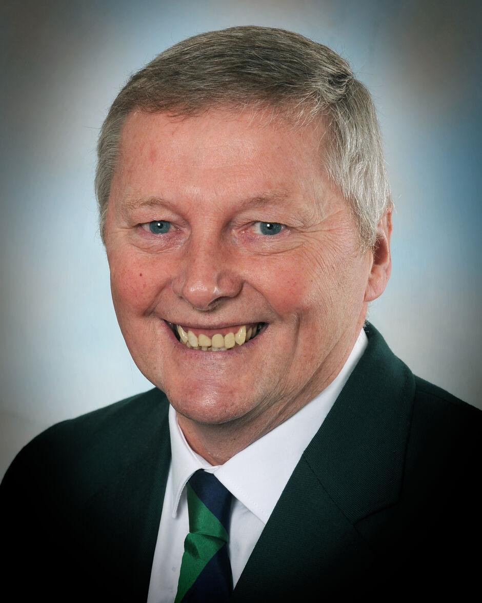 Men's Captain, Andy Hawksby